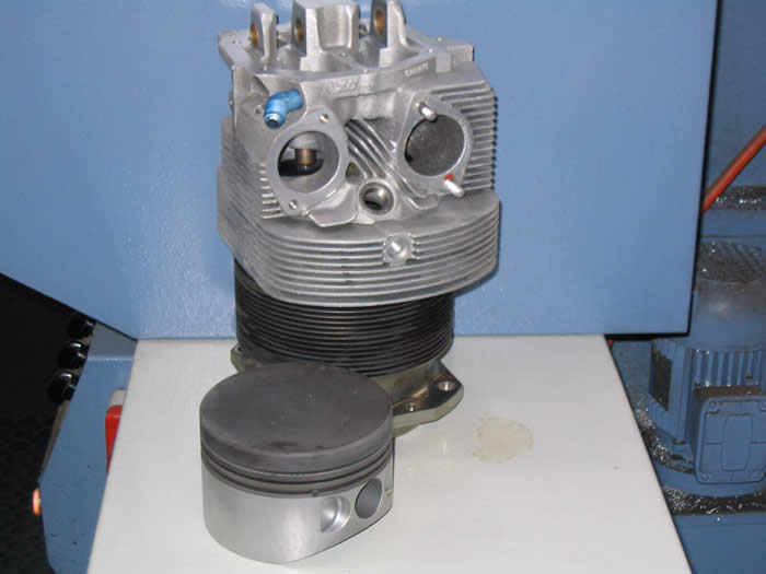 Clean Lycoming 0-320 Barrel and Piston